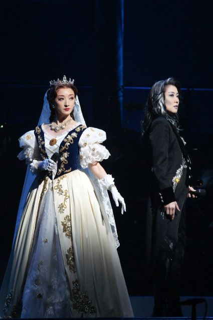 Another iconic dress of Elisabeth's